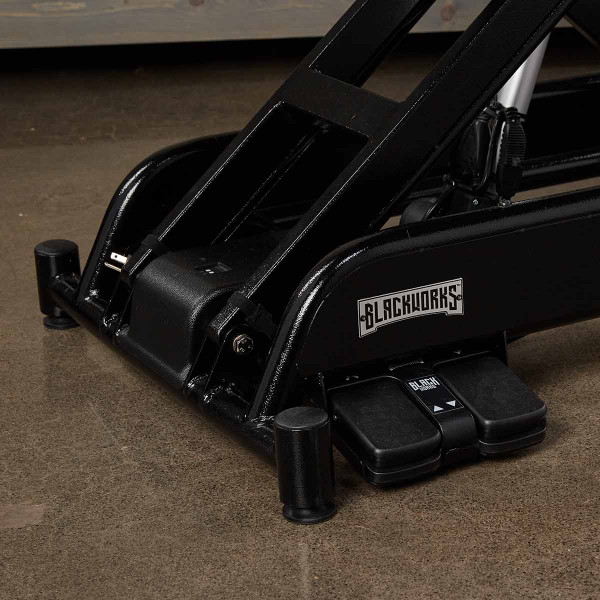 Blackworks Stealth Table Elite - electric adjustable grooming table with foot pedals